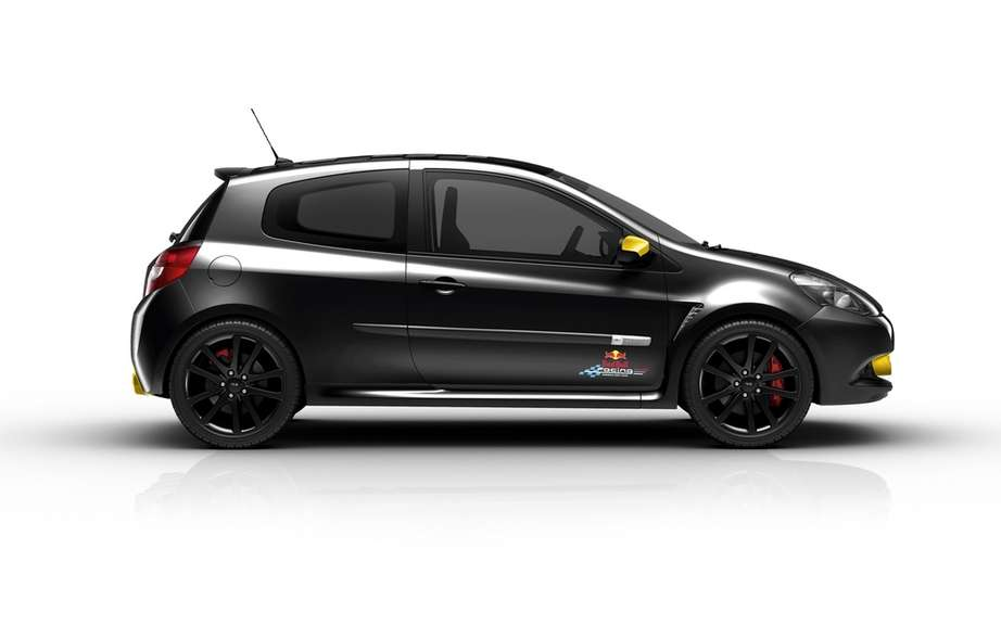 Renault Clio RS Red Bull Racing RB7: the quintessential sports picture #3
