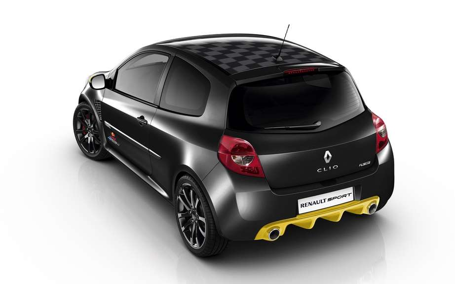 Renault Clio RS Red Bull Racing RB7: the quintessential sports picture #4