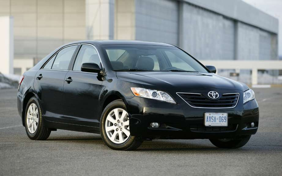 Toyota Canada announces voluntary safety campaign involving certain vehicles Camry, Venza and Tacoma