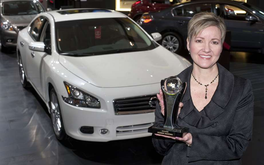 Nissan wins two awards for Best ALG residual value in 2012 picture #1