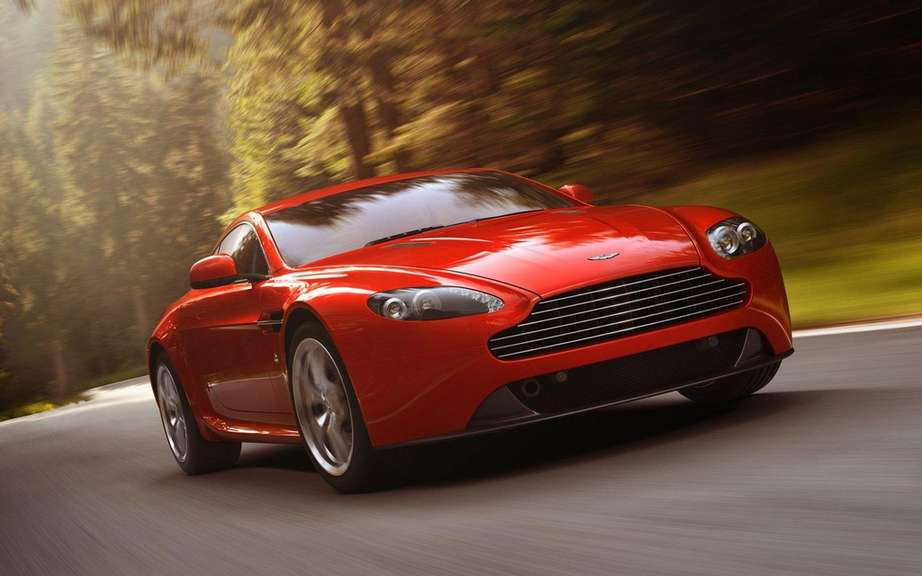 Aston Martin Vantage 2012: a reconstituted family picture #2