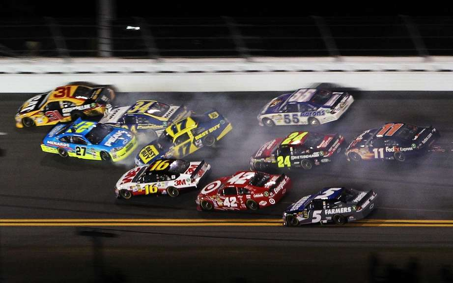 Carl Edwards on pole position for the Daytona 500 picture #2