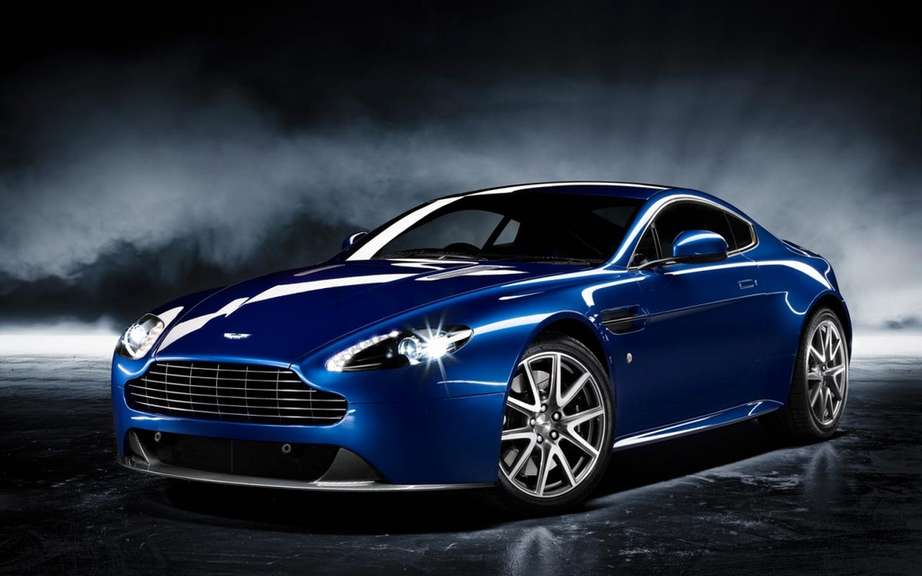 Aston Martin Vantage 2012: a reconstituted family picture #4