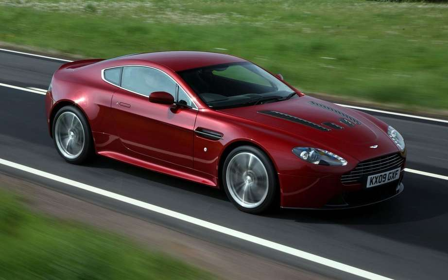 Aston Martin Vantage 2012: a reconstituted family picture #6