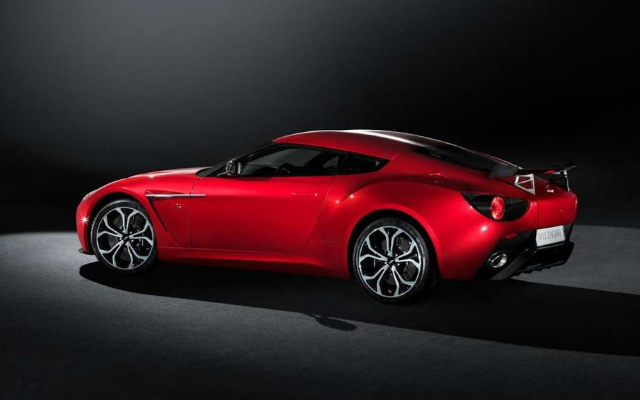 Aston Martin Vantage 2012: a reconstituted family picture #9