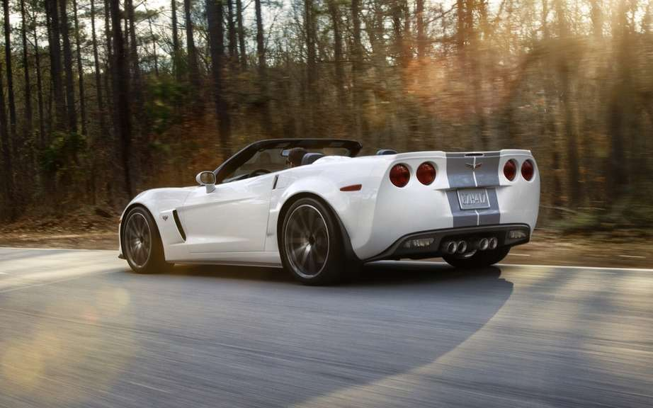 Chevrolet Corvette 427 Convertible Collector Edition: 60 Performance picture #4