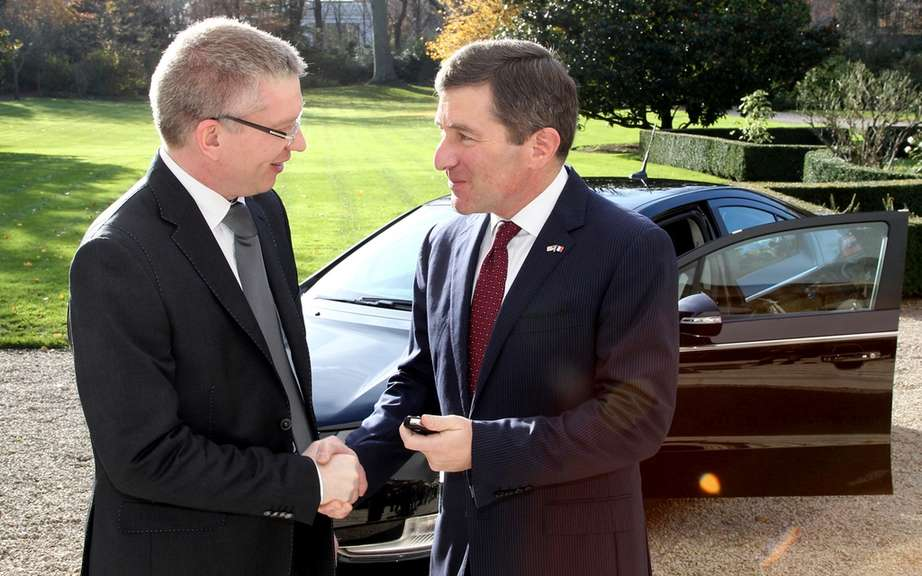 The Embassy of the United States in France takes possession of a Chevrolet Volt