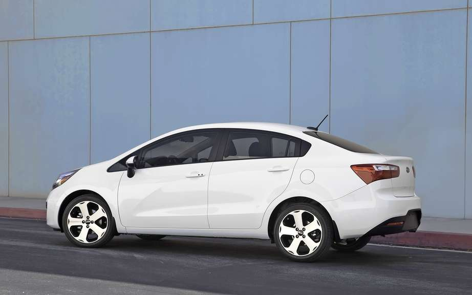 Kia Rio sedan 2012: from $ 13,795 picture #2