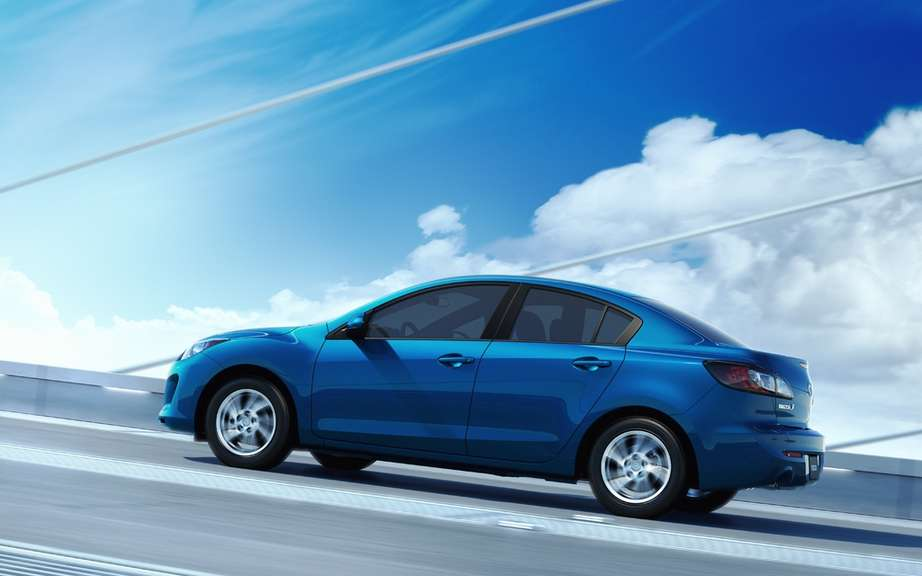 "2012 Mazda3 named one of the ""SAFETY FIRST CHOICE"" by the Insurance Institute For Highway Safety picture #2"