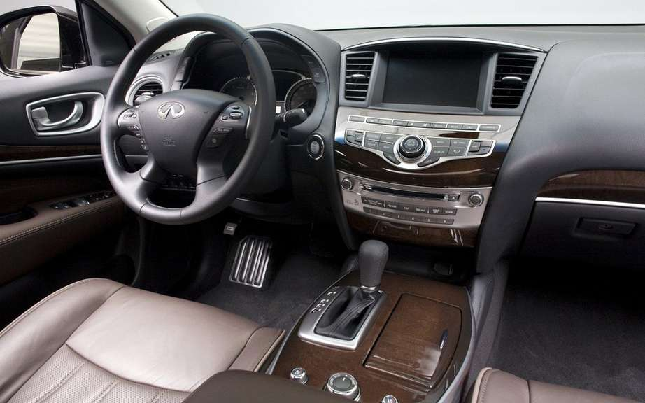 2013 Infiniti JX: For family outings picture #6