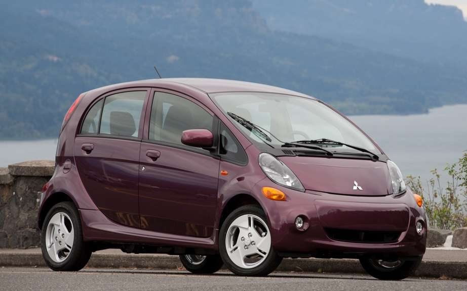 Mitsubishi i-MiEV 2012: Finally available in Canada