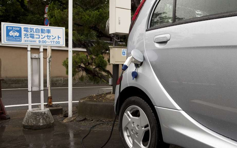 Mitsubishi i-MiEV 2012: Finally available in Canada picture #3