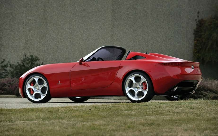 Alfa Romeo intends to confront the legendary Mazda MX-5 picture #5