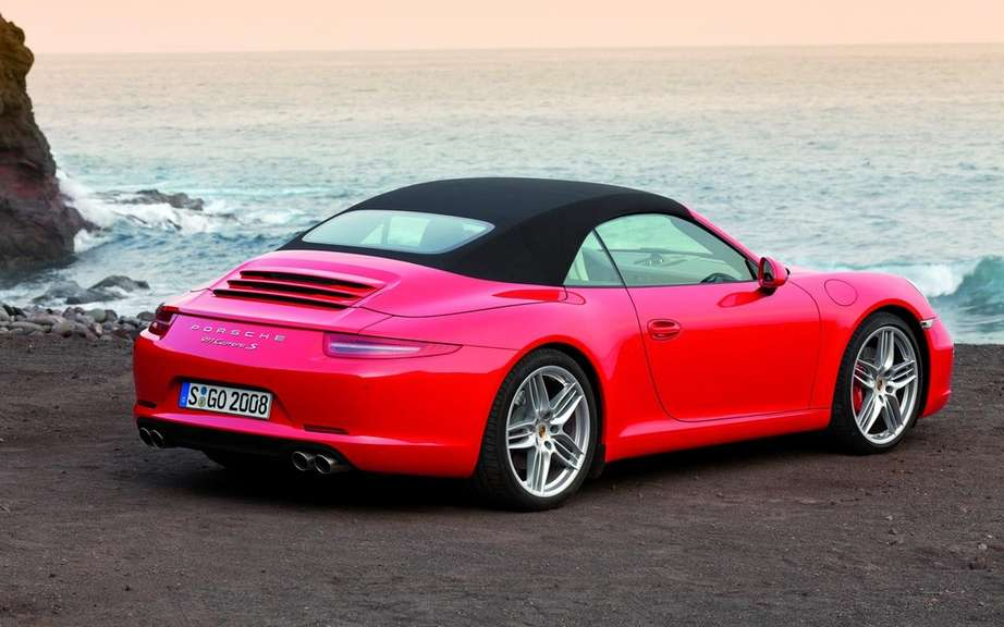 Porsche 911 Cabriolet 2012: With hood type cutting picture #5