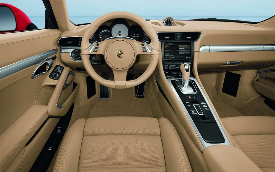 Porsche 911 Cabriolet 2012: With hood type cutting picture #6