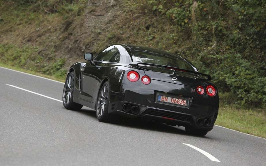 Nissan GT-R 2013: All that for 20 more horsepower picture #2