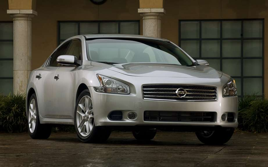 Nissan Maxima 2012: A discounted prices picture #2