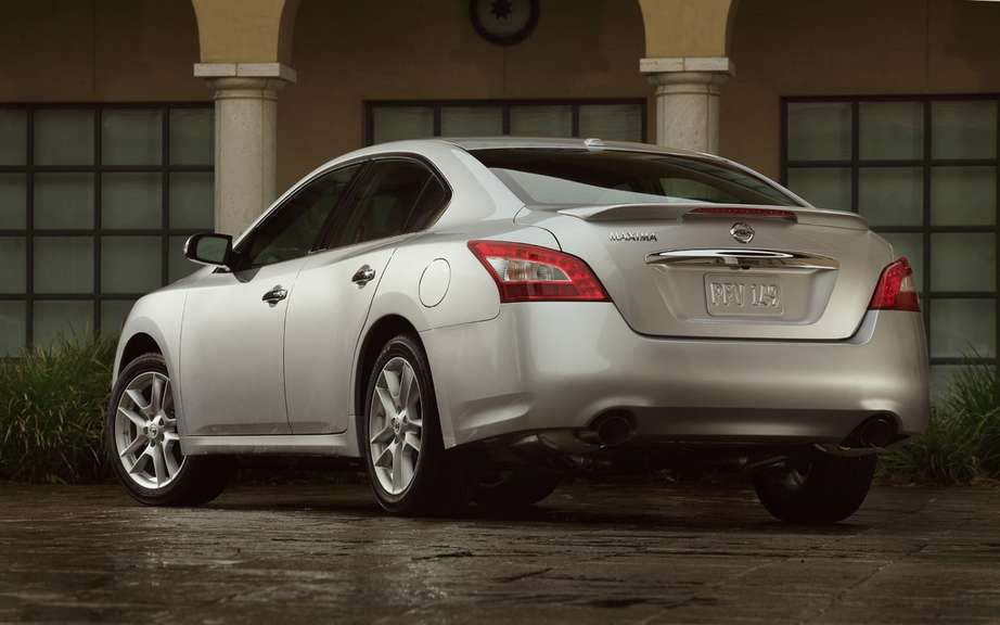 Nissan Maxima 2012: A discounted prices picture #3