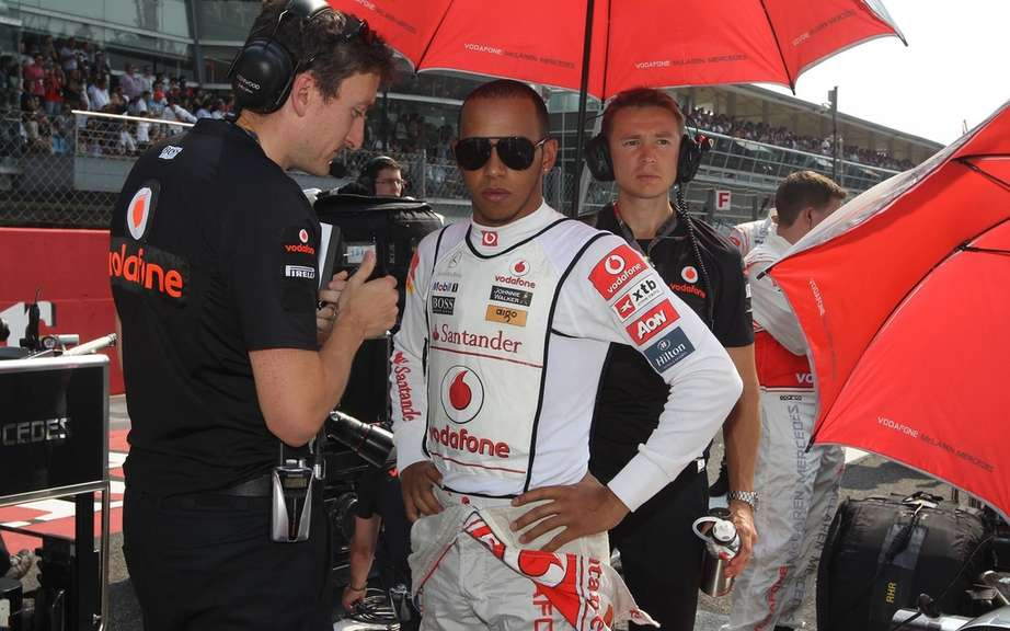 A meeting to discuss drivers driving Lewis Hamilton! picture #1