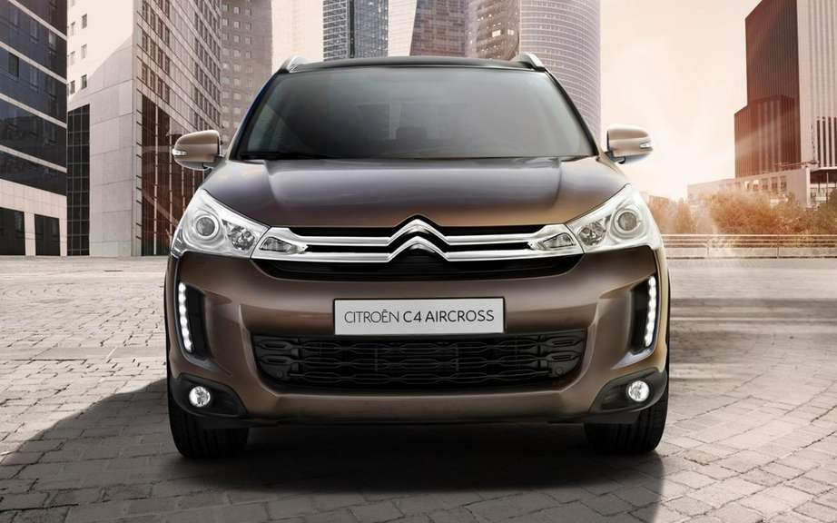 Citroen C4 Aircross: The underside of the Mitsubishi ASX picture #4