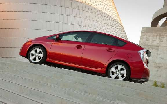 Toyota Prius 2012: From simple retouching picture #3