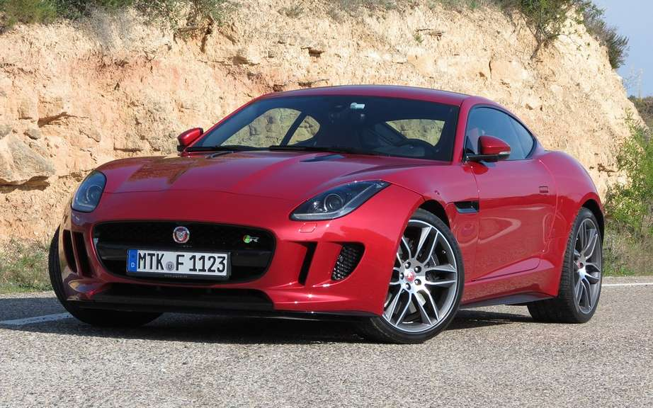 Jaguar F-Type Coupe featured at Super Bowl