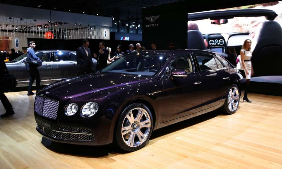 Bentley Flying Spur #9072647