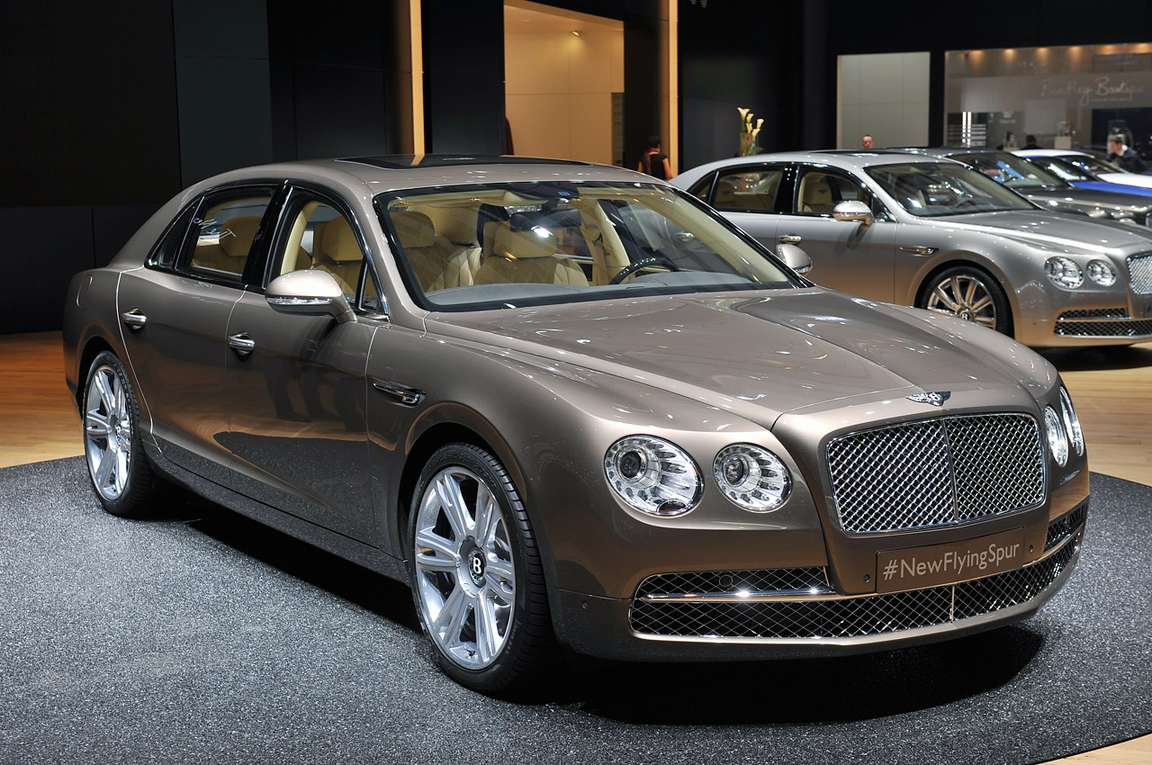 Bentley Flying Spur #9352624