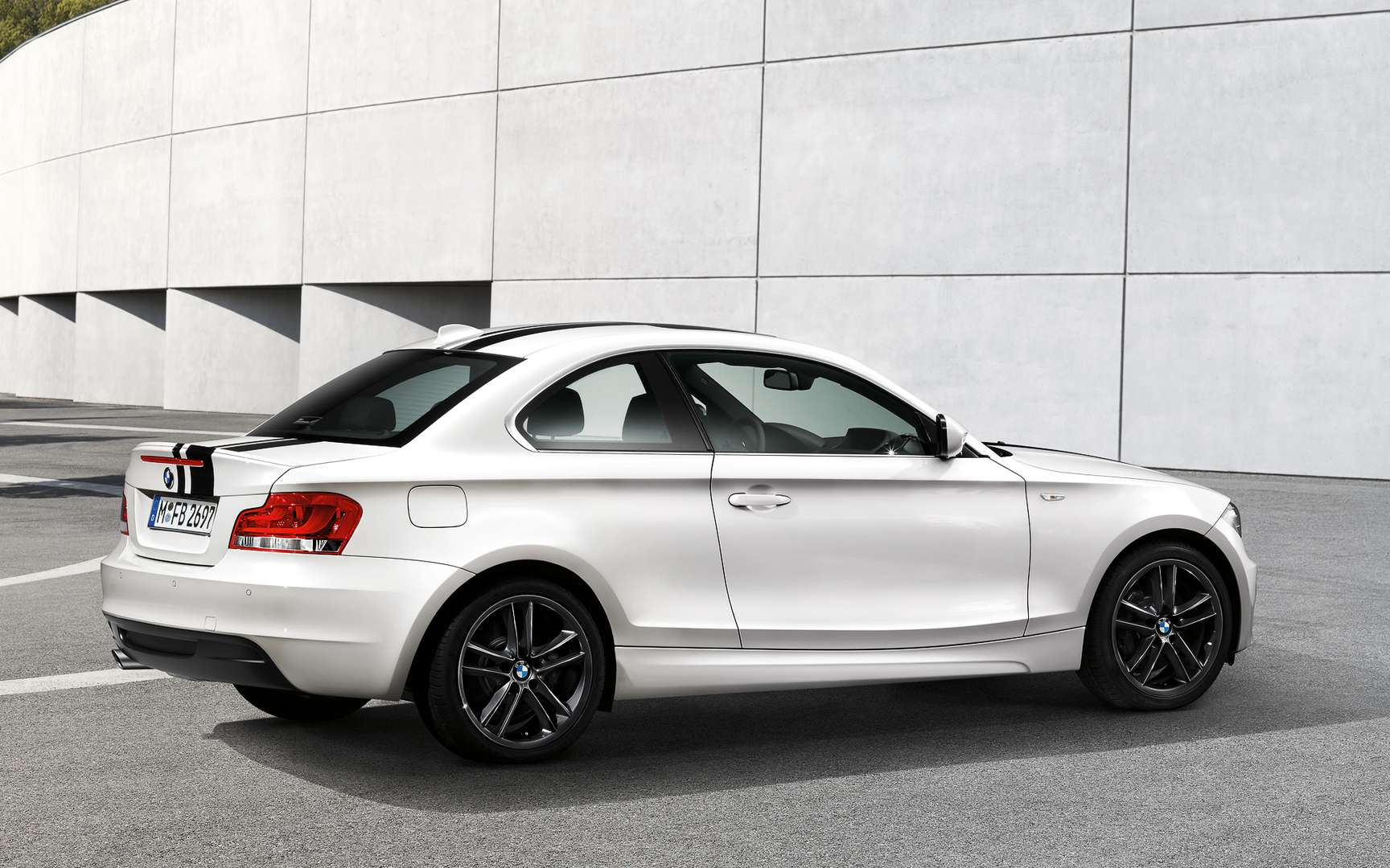 BMW 1 Series Coupe #7287238