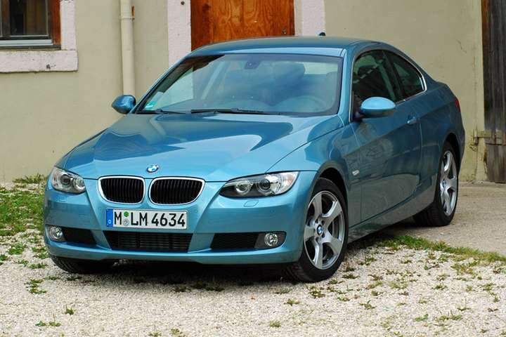 BMW 320D Coupe #9180854