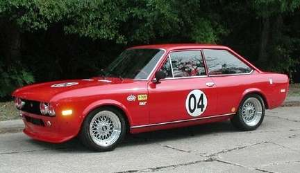 Fiat 124 Coupe #9864594