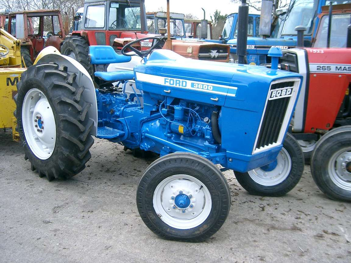 Ford 3600 #9706277