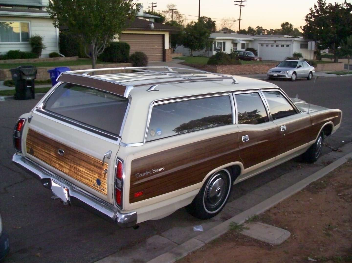Ford Country Squire #8299558