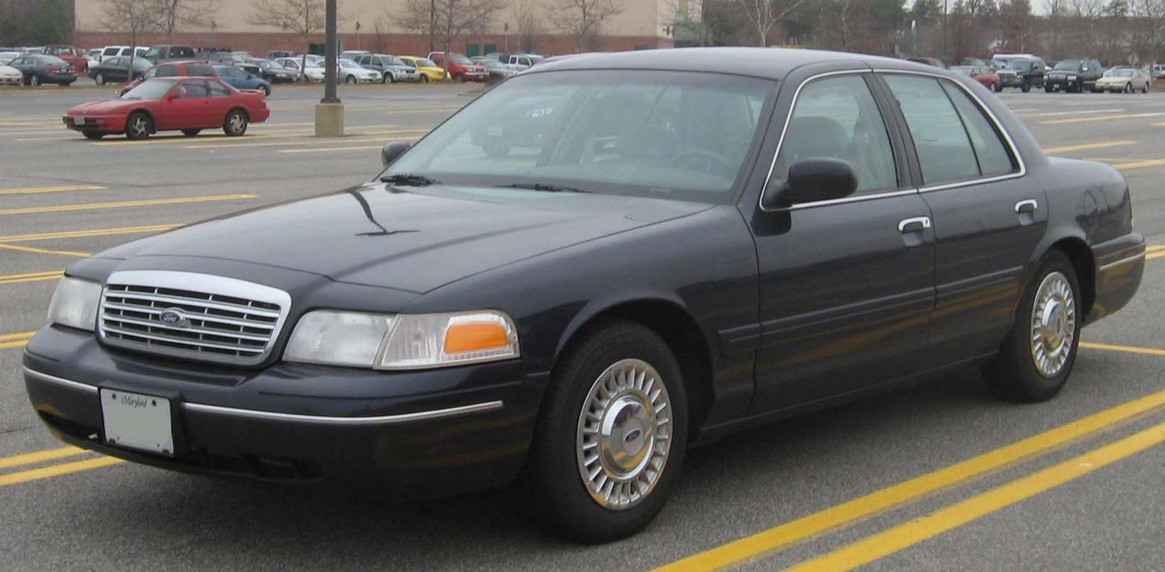 Ford Crown Victoria #8679838