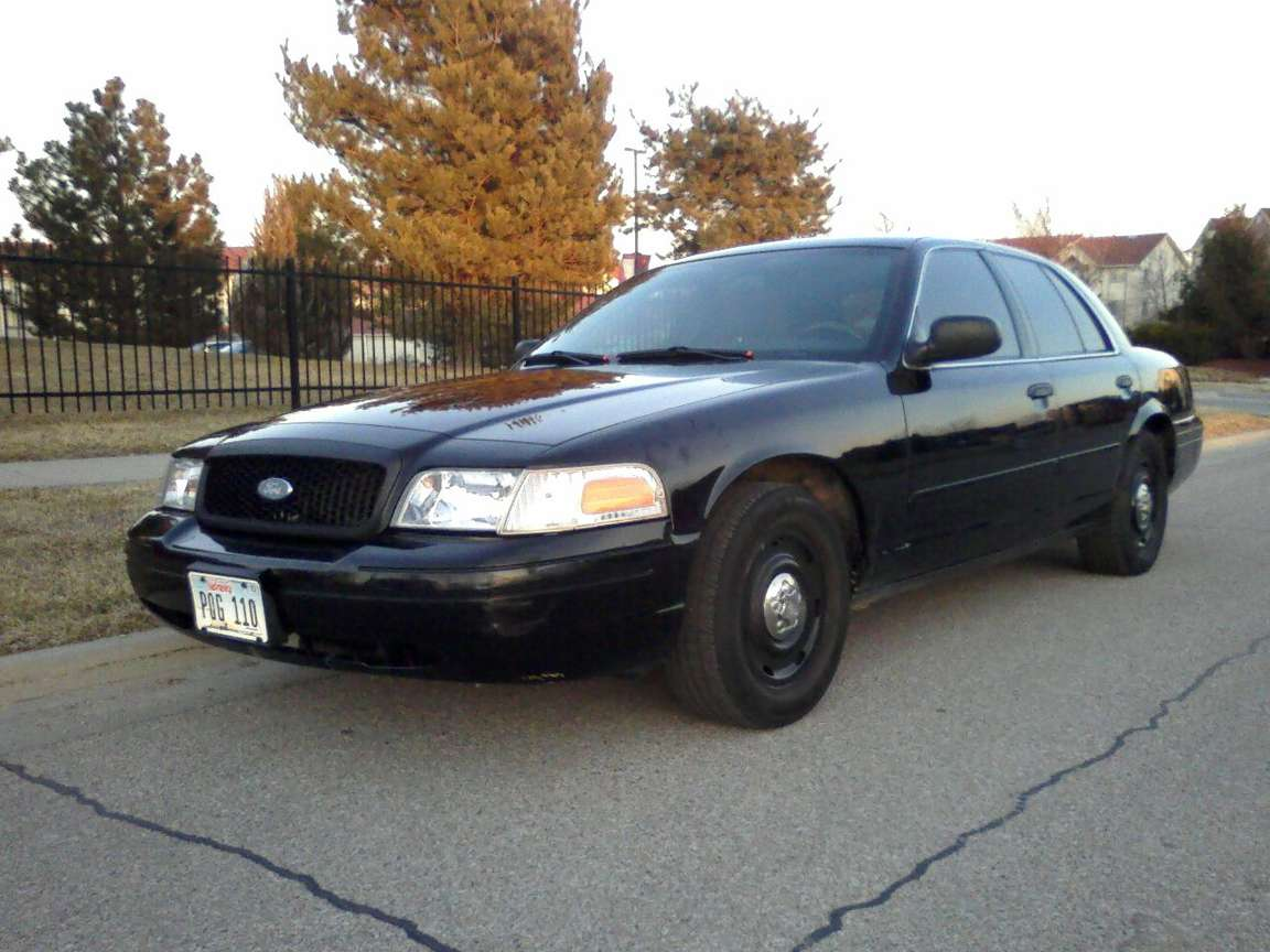 Ford Crown Victoria Police Interceptor #9583694