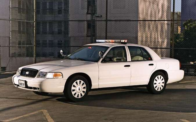 Ford Crown Victoria Police Interceptor #7584089