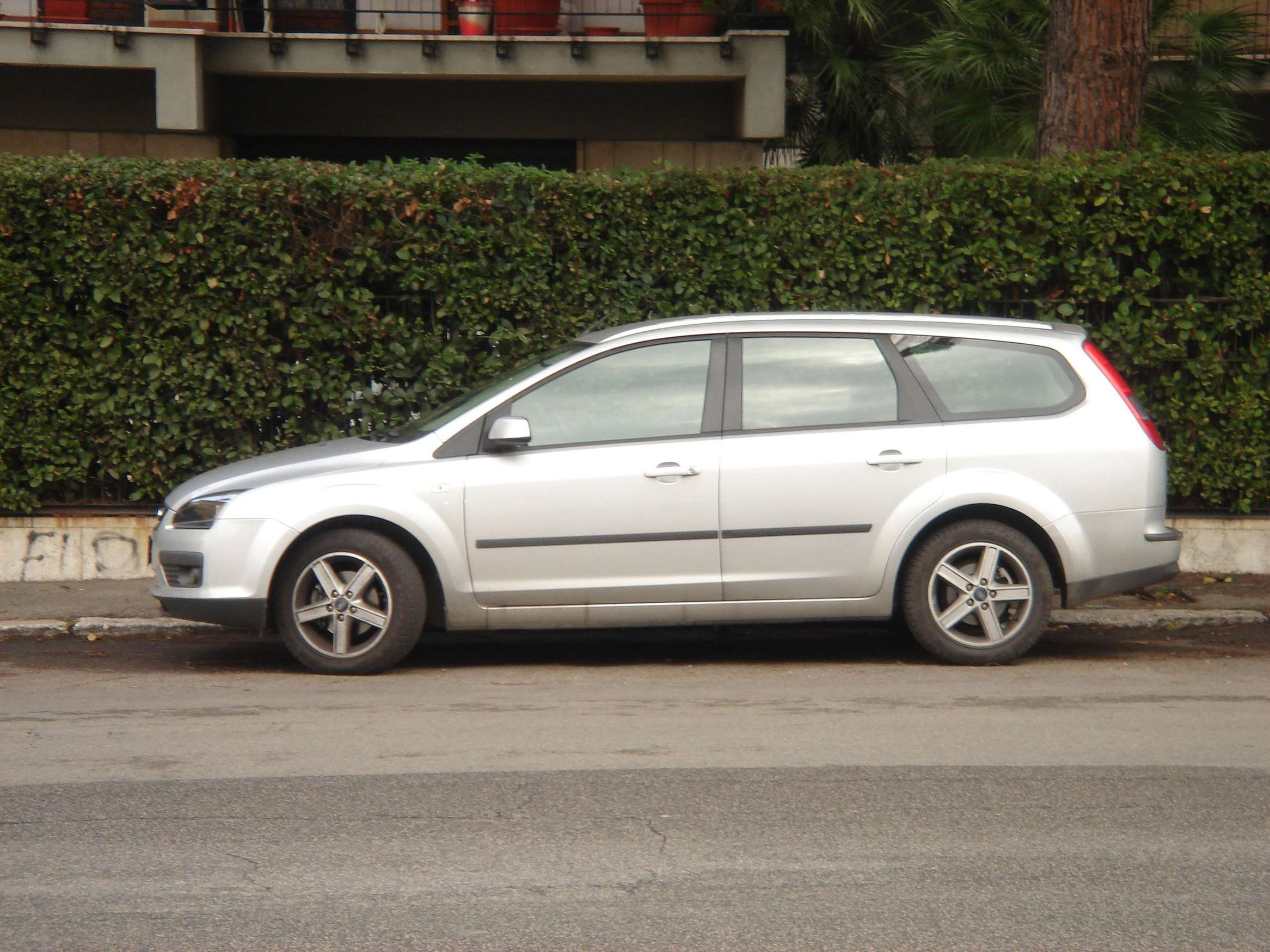 Ford Focus Wagon #9884582