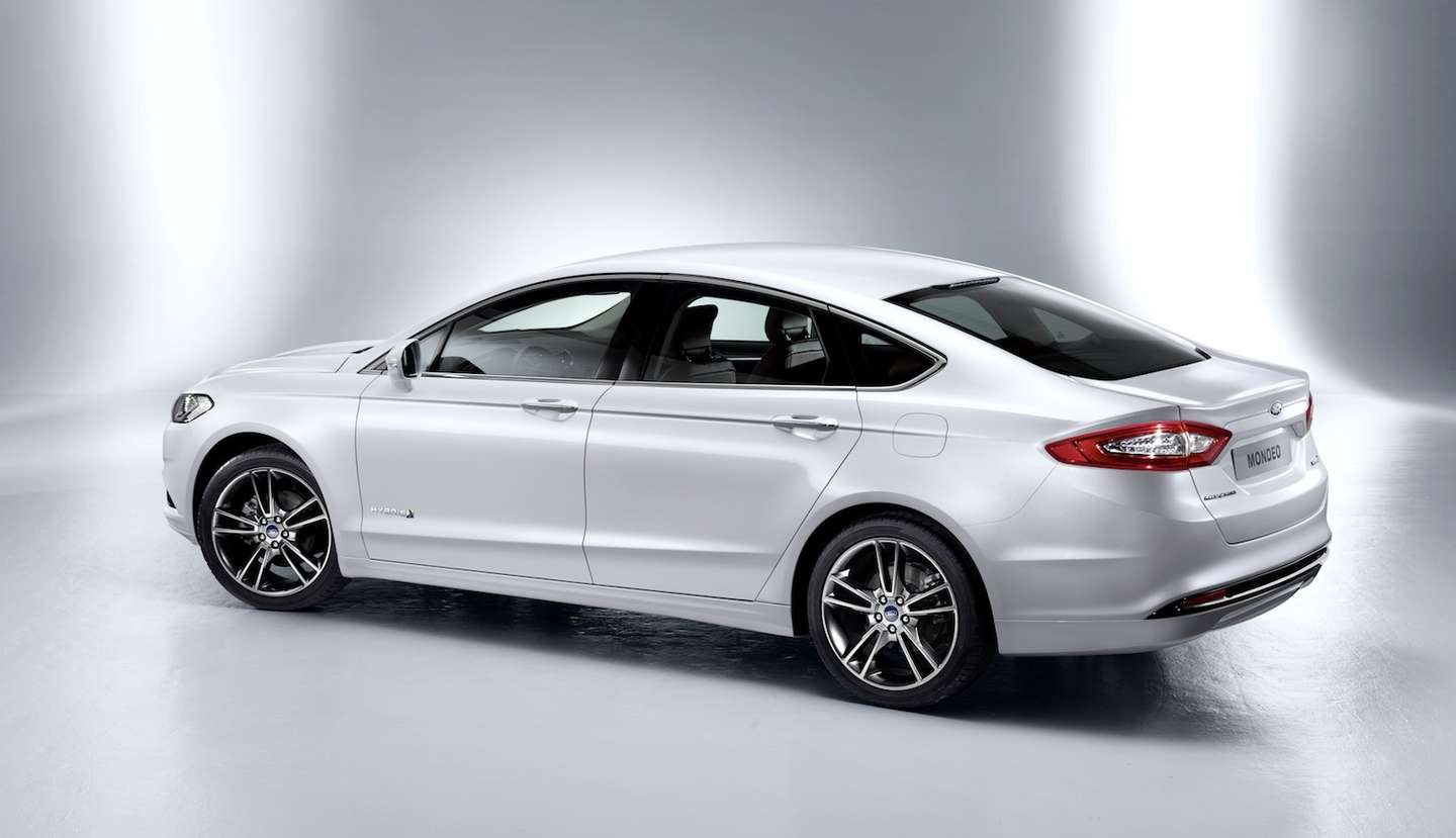 Ford Mondeo #9876740