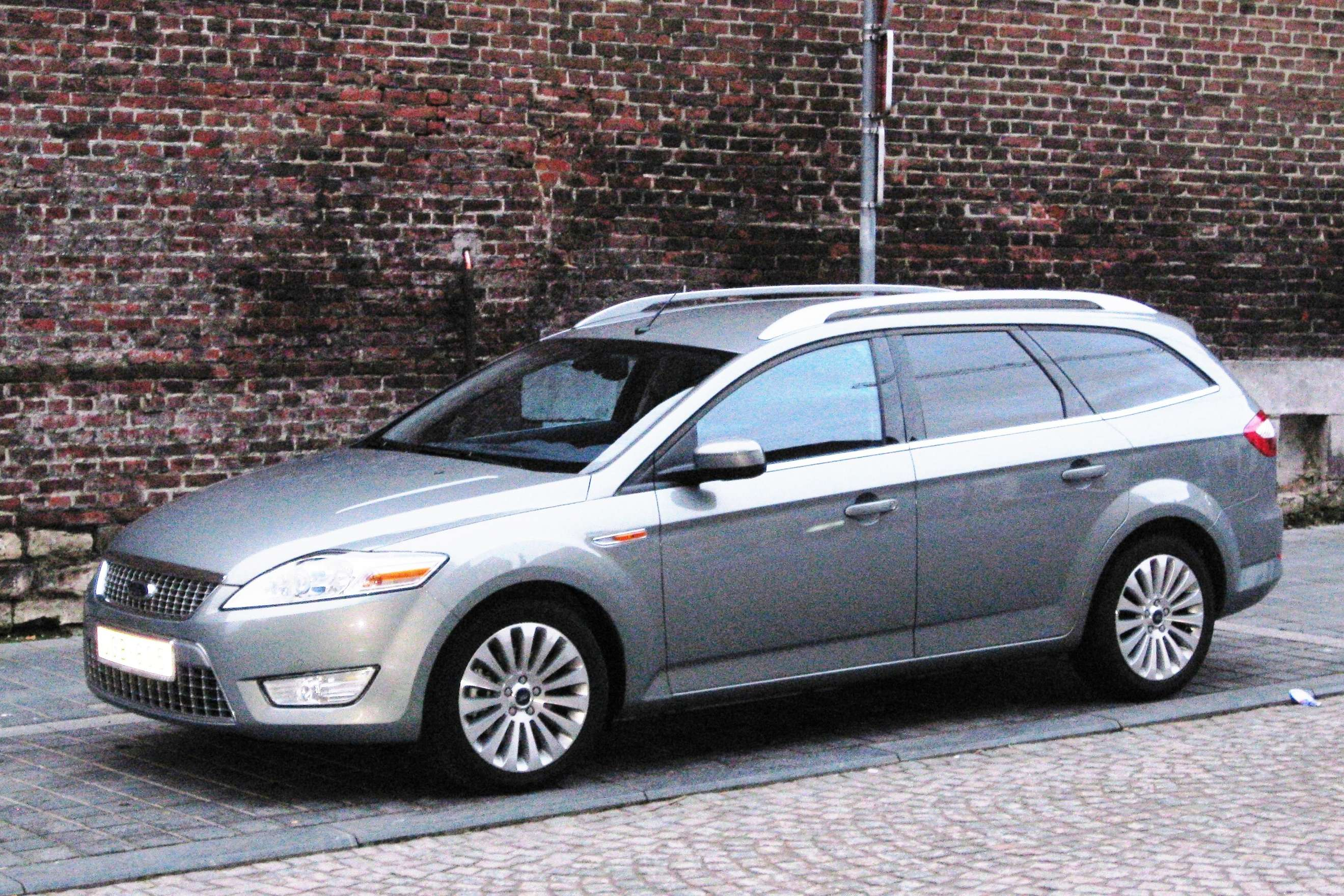 Ford Mondeo Estate #8276839
