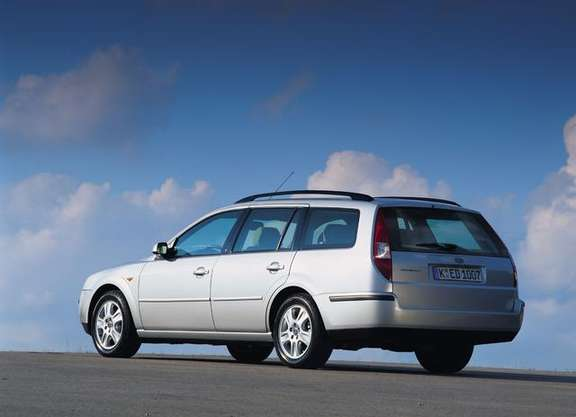Ford Mondeo Wagon #8545323