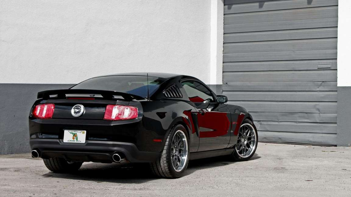 Ford Mustang GT/CS #8307441