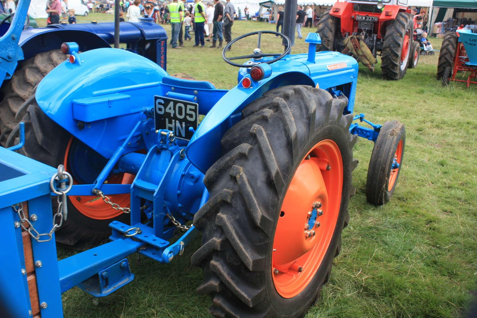 Ford Super Dexta Tractor Values : Fordson dexta