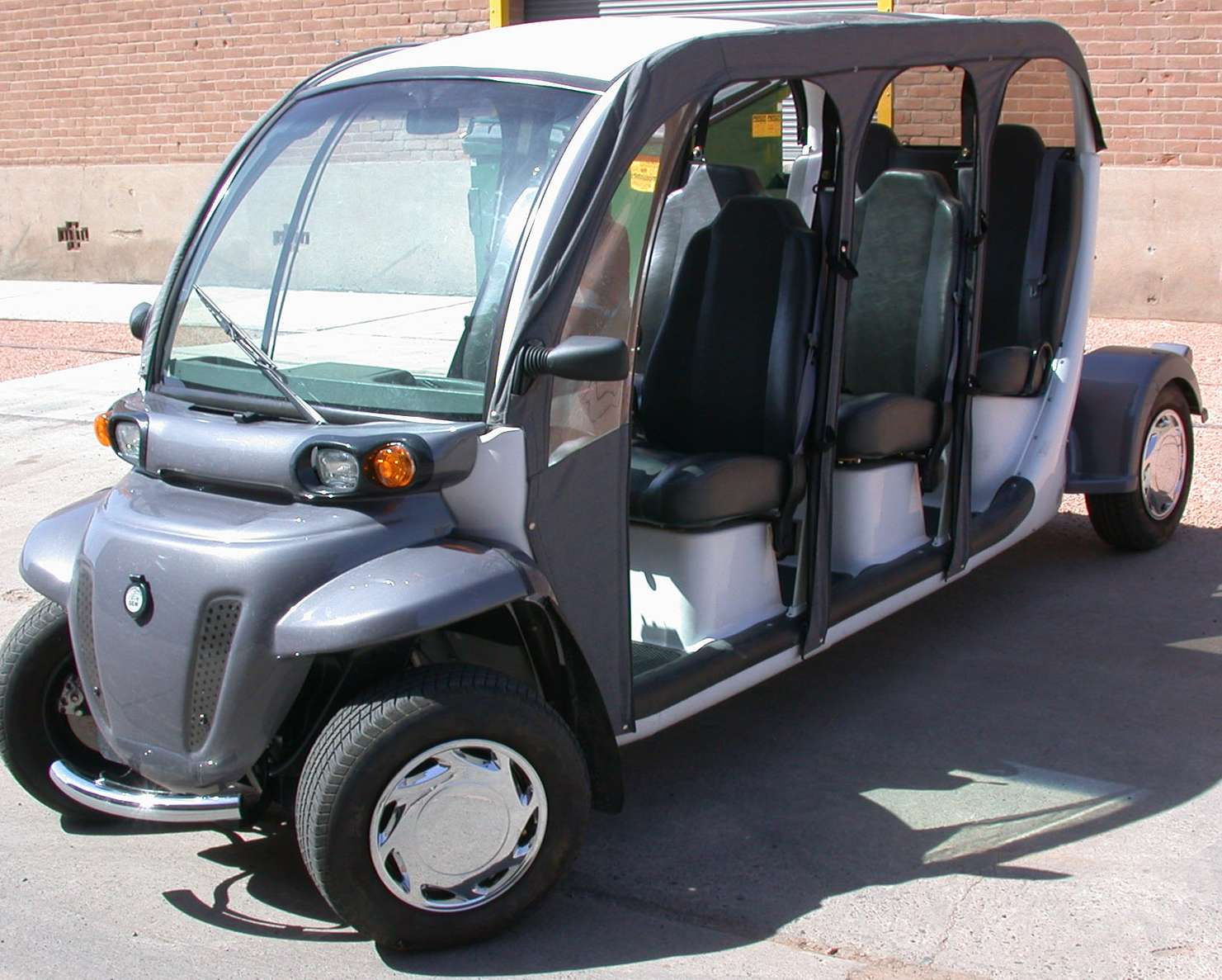 GEM Electric Car #9665152