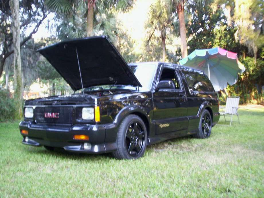 GMC Typhoon #8970923