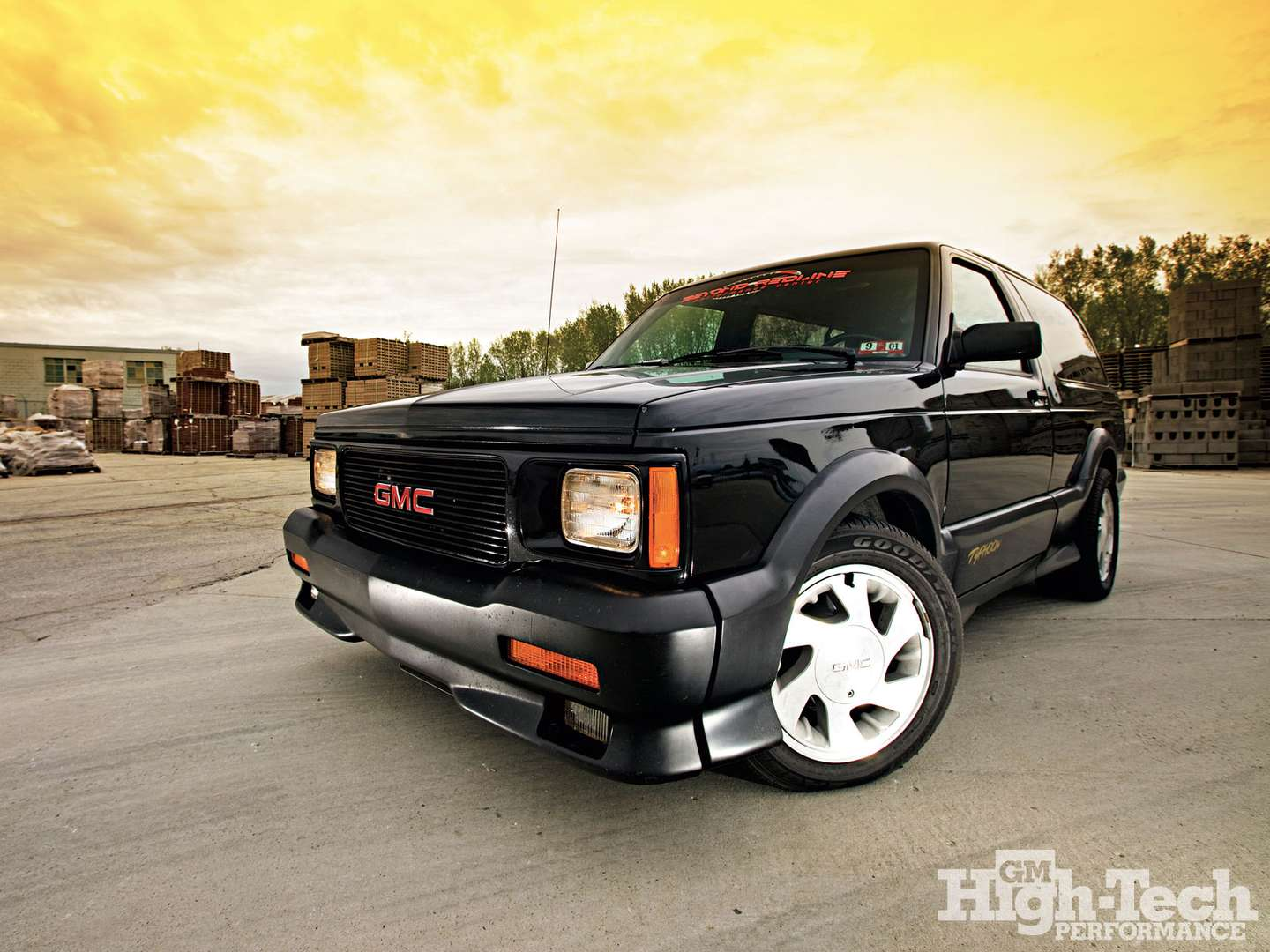 GMC Typhoon #9068876