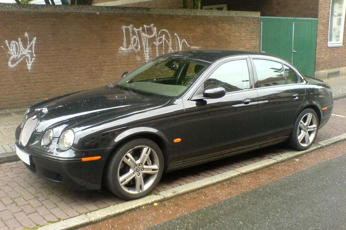 Jaguar S Type #8821648