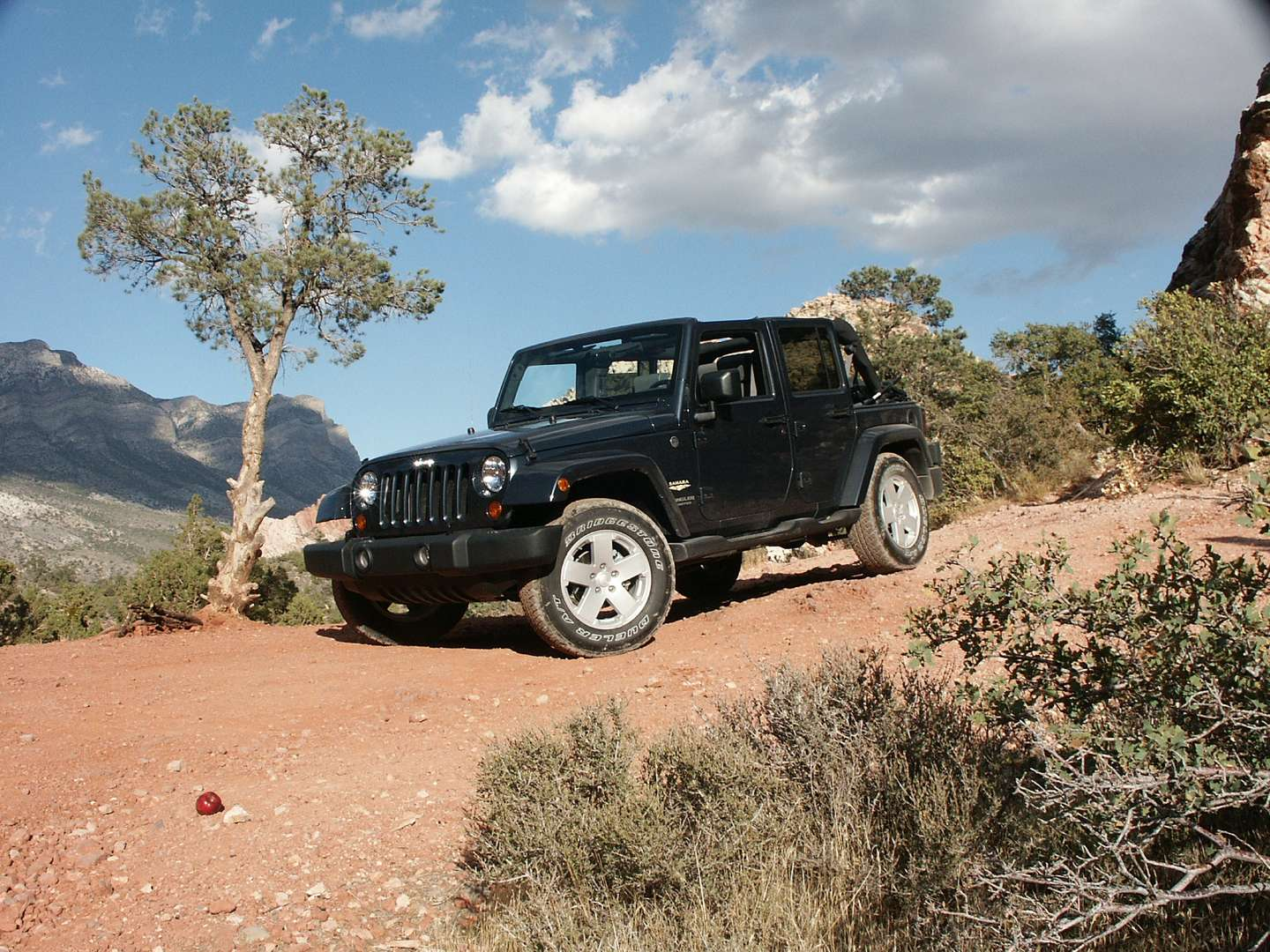 Jeep Wrangler Unlimited Sahara #9652889