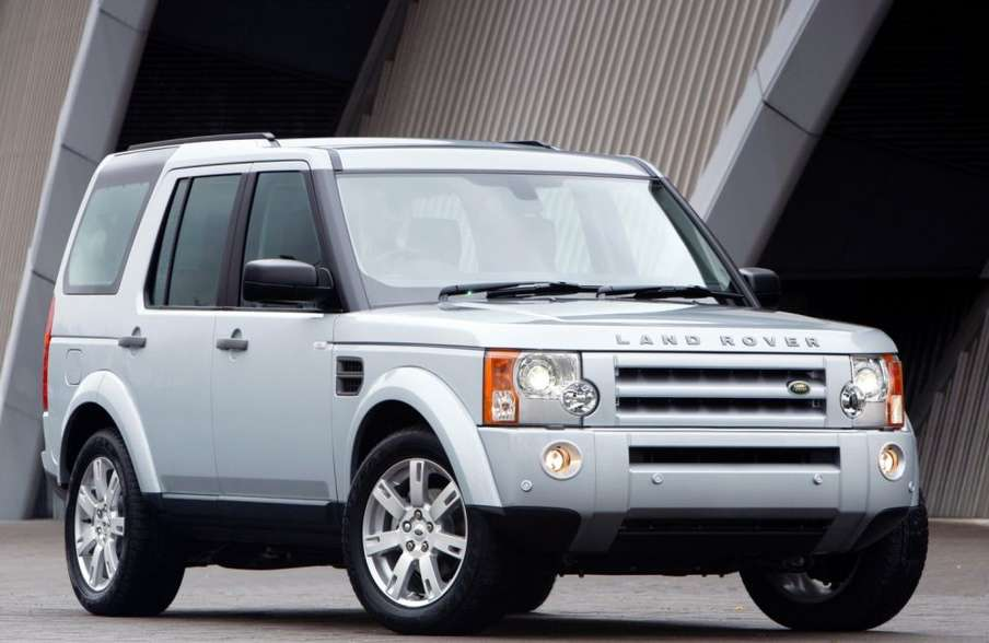 Land-Rover Discovery 3 #9739061