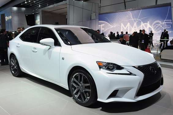 Lexus IS #8027172