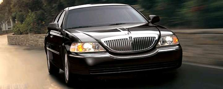 Lincoln Towncar #9748046